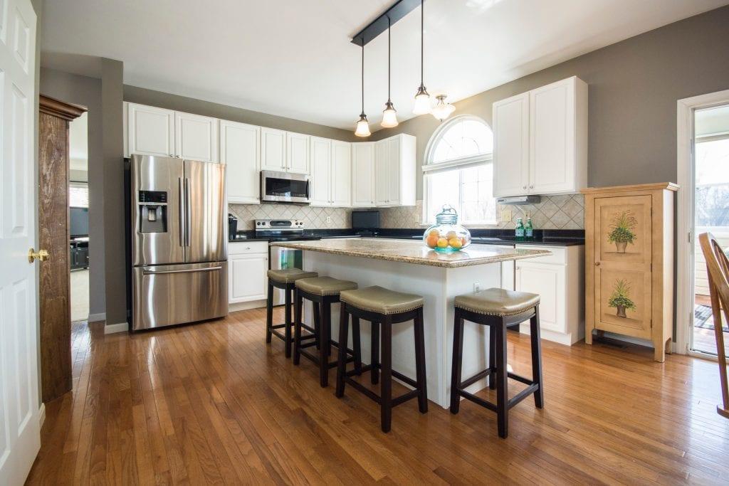 apartment-cabinet-contemporary-1027508 (1)